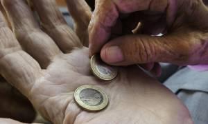 Законно ли ПФР требует вернуть переплату пенсии?